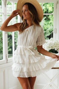 5f47554df85 White dress with ruffles - Balloon