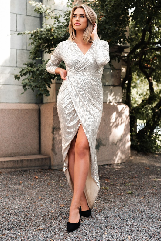 DM Exklusives Paillettenkleid in Silber - Martini